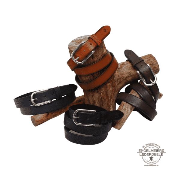Damengürtel Alice Green Belts Gruppenbild Holz