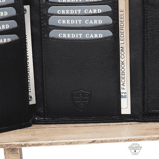Basic Portemonnaie RFID Hochformat Jockey Club schwarz Detailaufnahme