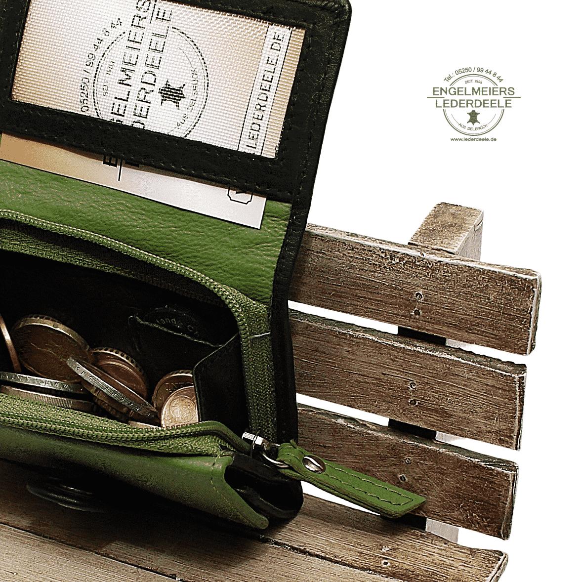 Portemonnaie Gürtelschlaufe mini Jockey Club Detailansicht